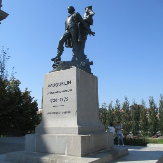 Statue of French naval officer Jean Vacquelin