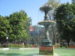 In Square Saint-Louis