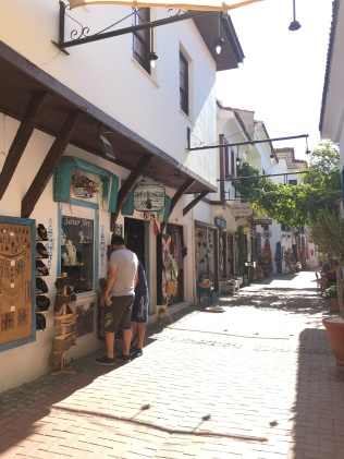 There's a lot of pottery and other crafts shops.